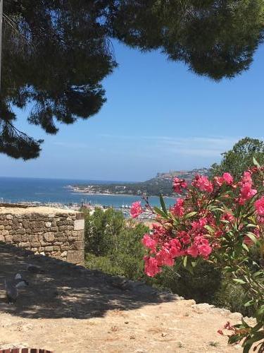Denia Burg mit Blick über die Bucht