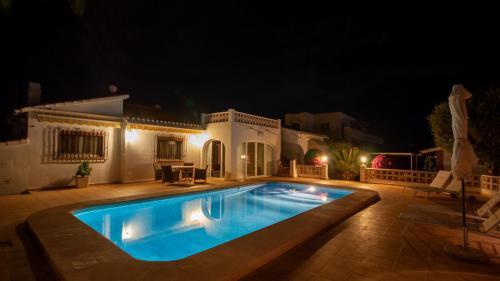 Villa Casa La Vela bei Nacht